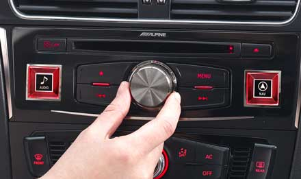 Audi A4 - X701D-A4: Panel de control Alpine