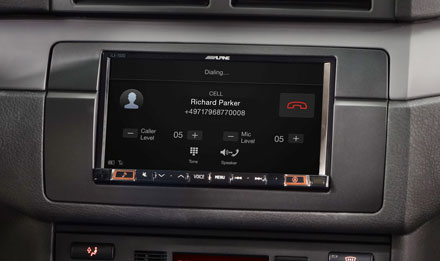 BMW 3 E46 - Built-in Bluetooth® Technology - INE-W720E46