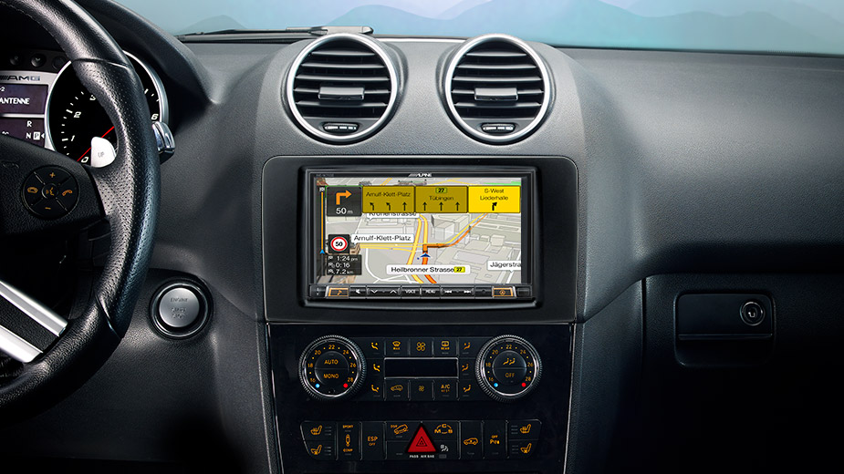 Integrated Navigation in your Mercedes ML/GL - INE-W710ML